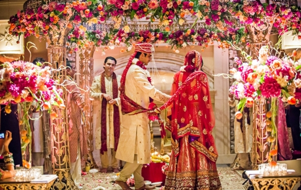 How To Perform A Traditional Hindu Wedding
