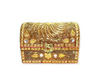 Gold embroiderd Gift Box -