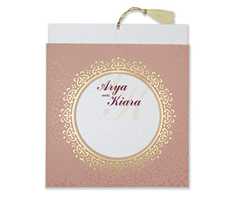 Invitation with a decorated circular frame in dusty pink colour
