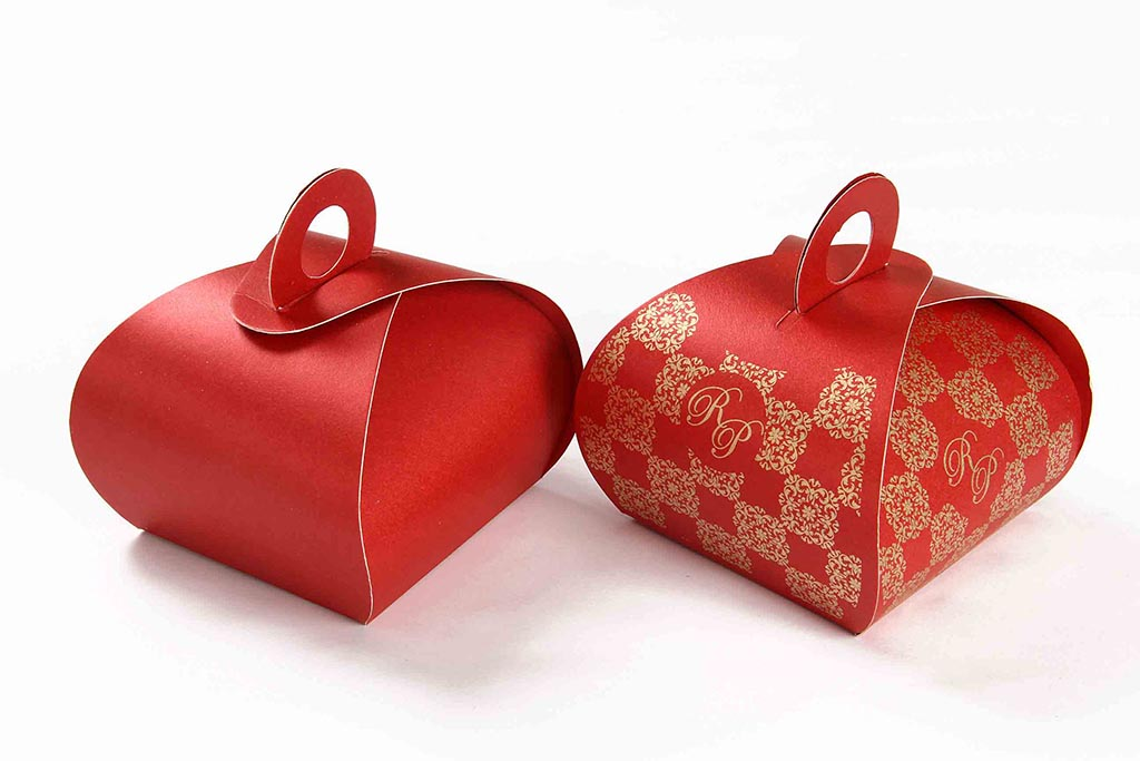 Wedding Party Favor Box in Red Color