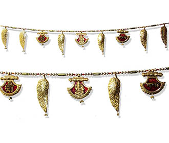 Mettallic Bandhanwar in Red and Golden with Ganesha design -